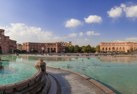 Yerevan_republic_square5