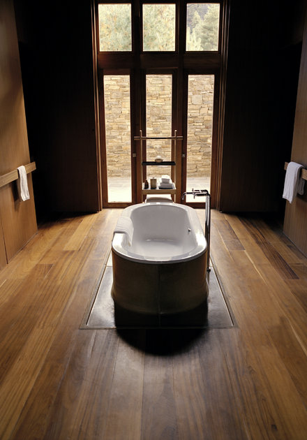 Paro_Suite_Bathroom_High_Res_7363